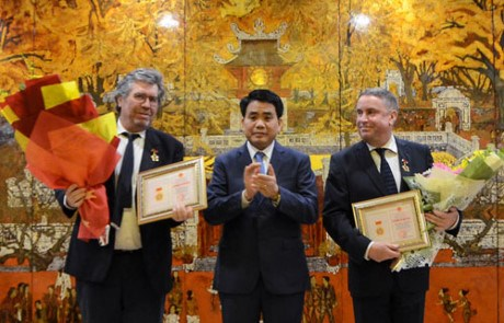French nationals honoured for contributions to Hanoi's growth hinh anh 1
