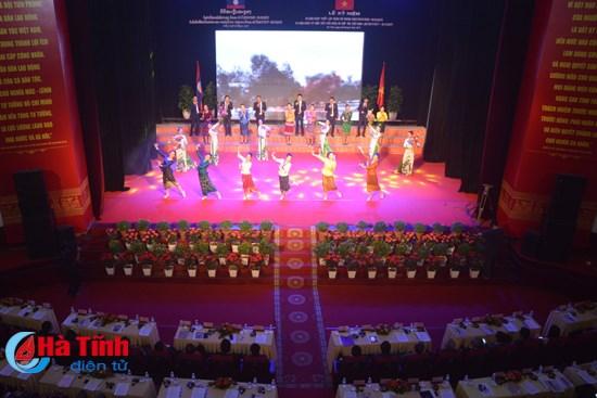 Ha Tinh marks 55th anniversary of Vietnam-Laos diplomatic relations hinh anh 1