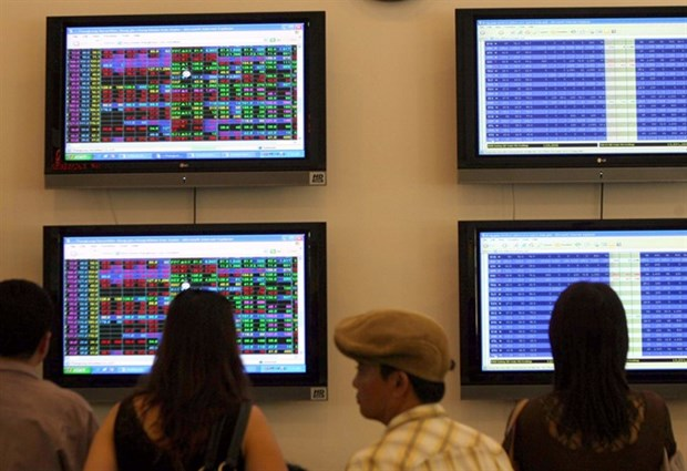 Markets fall on ETF withdrawal hinh anh 1