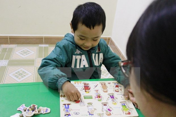 Traditional medicine methods treat autism in HCM City hinh anh 1