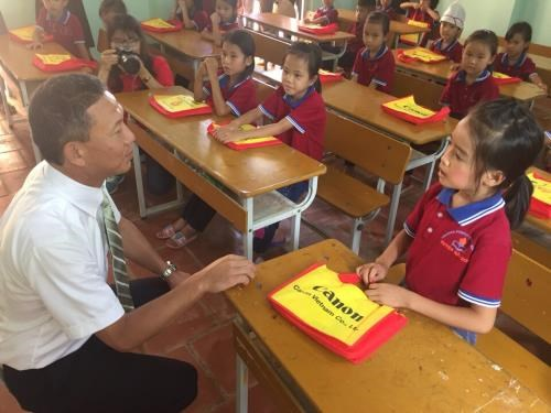 Canon Vietnam upgrades ethnic school in Lang Son hinh anh 1