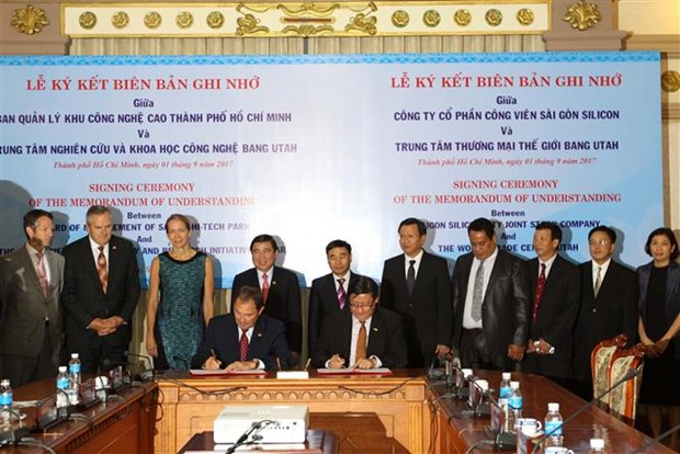 Ho Chi Minh City, Utah State vow to promote trade, high-tech links hinh anh 1
