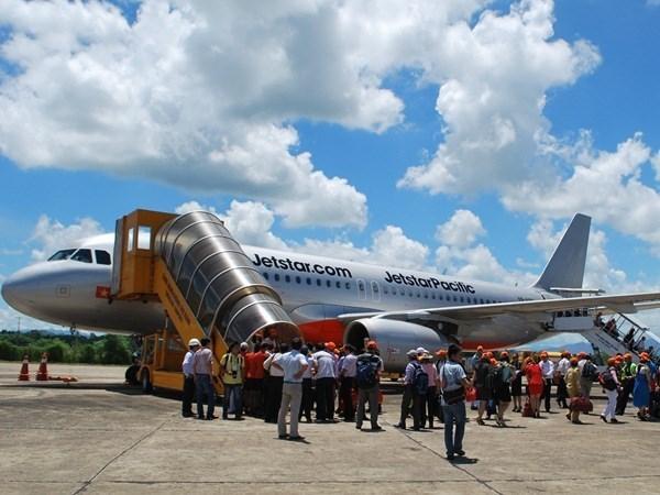 Air routes linking Hanoi, Da Nang and Japan's Osaka launched hinh anh 1