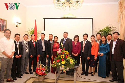 Vietnam's National Day marked in Germany, Canada hinh anh 1