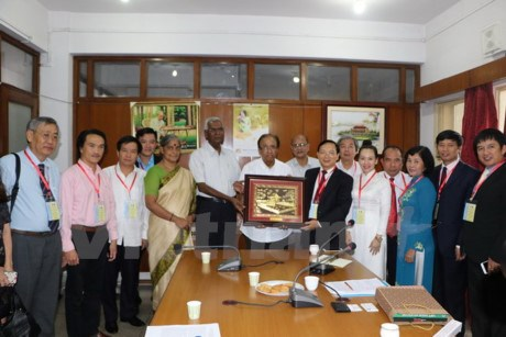 Leaders of Indian communist parties receive Vietnamese delegation hinh anh 1