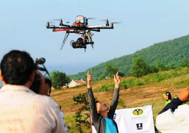 Drones fly in Vietnam without licences hinh anh 1