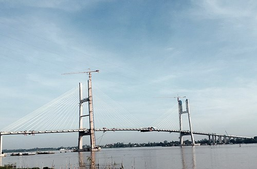 Dong Thap: Final sections of Cao Lanh bridge joined hinh anh 1