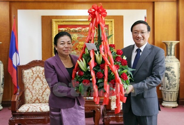 Lao officials congratulate embassy on Vietnam's 72nd National Day hinh anh 1