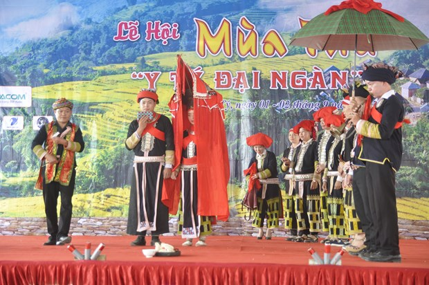 Tourists invited to explore unique ethnic culture in Y Ty hinh anh 1