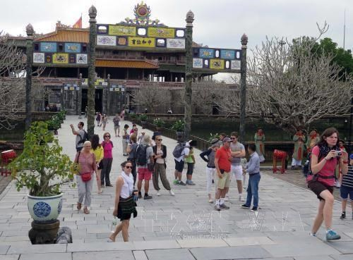 Hue imperial relic site welcomes 25,000 visitors on National Day hinh anh 1