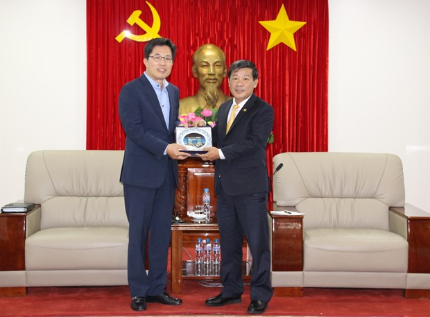 Binh Duong calls for investment in less labour-intensive industries hinh anh 1