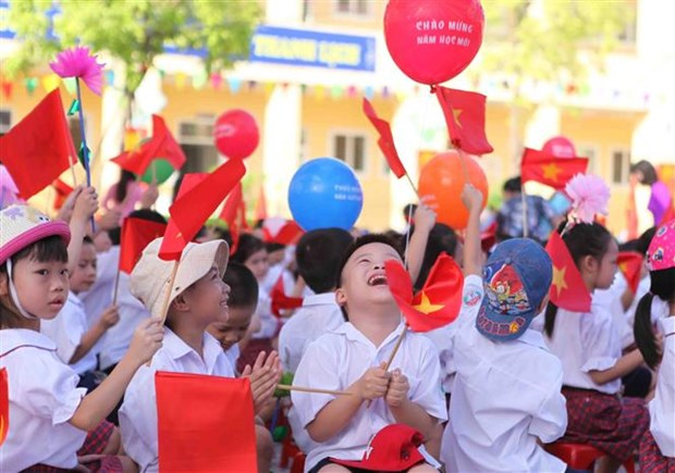 20 million Vietnamese students embark on new academic year hinh anh 1