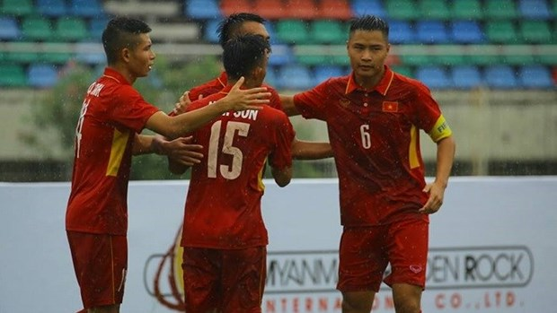 U18 Vietnam thrash Brunei 8-1 in regional football championship hinh anh 1