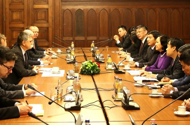 Developing relations with Vietnam reaches consensus in Hungary hinh anh 1