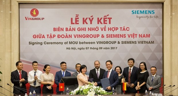 Vingroup, Siemens boost technological cooperation hinh anh 1