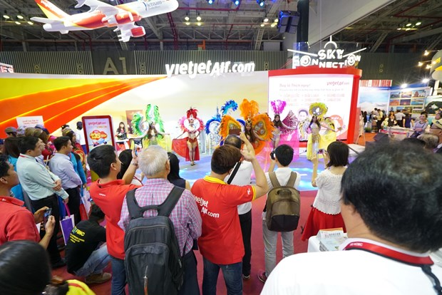 Vietjet signs deal with HCM City Tourism Dept hinh anh 1