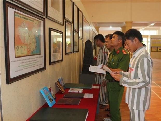 Exhibition on Hoang Sa, Truong Sa held in Ha Nam province hinh anh 1