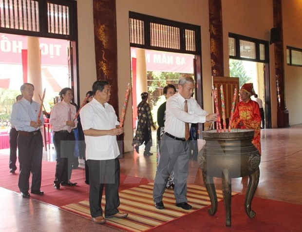Localities mark Ho Chi Minh's death anniversary hinh anh 1