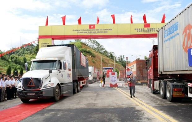 Vietnam-China freight route opens to traffic hinh anh 1