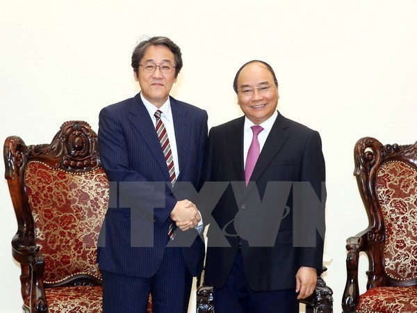 PM lauds Japanese ambassador's efforts to boost bilateral ties hinh anh 1