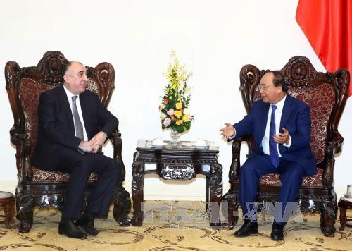 PM: Vietnam treasures traditional relations with Azerbaijan hinh anh 1