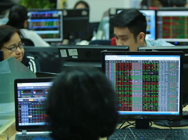 Bank stocks lift the market back up hinh anh 1