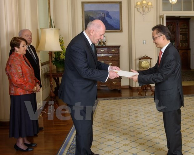 Vietnamese Ambassador to Australia presents credentials hinh anh 1