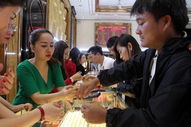 Vietnamese gold trading market slows to crawl hinh anh 1
