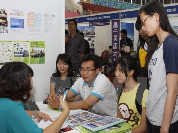Unemployment rate drops to five-quarter low in Q3 hinh anh 1