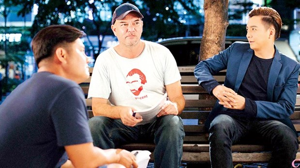 US film director finds his roots in Vietnam hinh anh 1