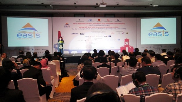 Int'l conference talks safe, green, integrated transport hinh anh 1