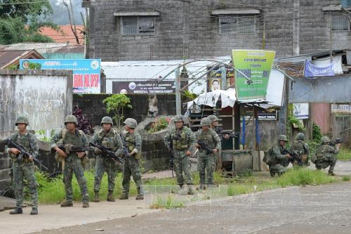 Philippines believes battle to retake Marawi is ending hinh anh 1