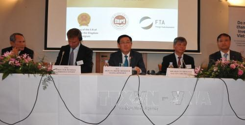 Investment promotion forum held in Brussels hinh anh 1