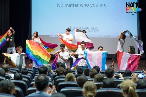 Largest event for LGBTQ community underway in Hanoi hinh anh 1
