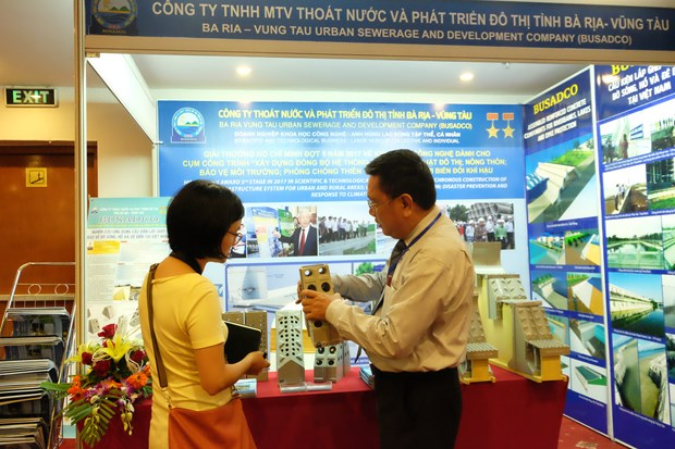 Businesses play crucial role in disaster management hinh anh 1
