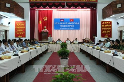 Cambodia learns Vietnam's planning experience hinh anh 1