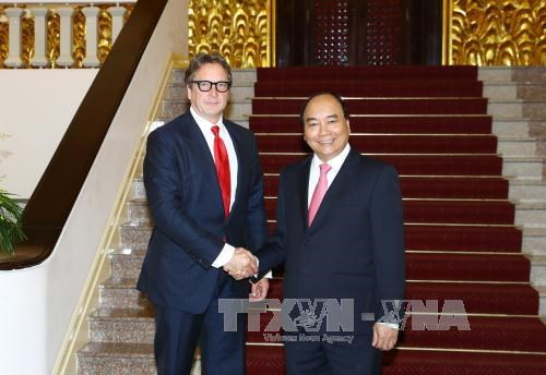 PM pledges favorable conditions for US investors hinh anh 1