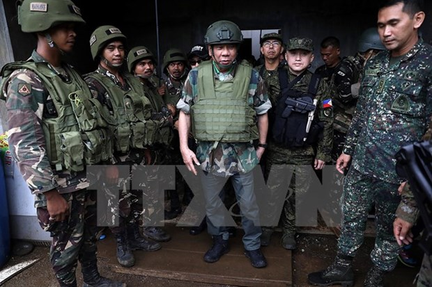 Philippine military to send more soldiers to Marawi hinh anh 1