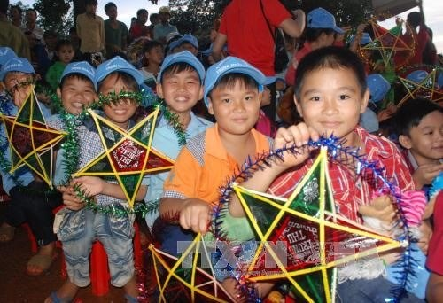 Programmes for children to enjoy Mid-autumn Festival hinh anh 1