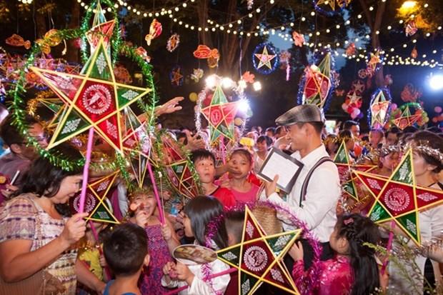 Event celebrates Mid-Autumn Festival hinh anh 1
