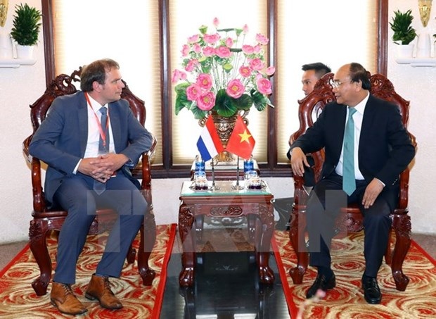 Prime Minister Nguyen Xuan Phuc receives Dutch guest hinh anh 1