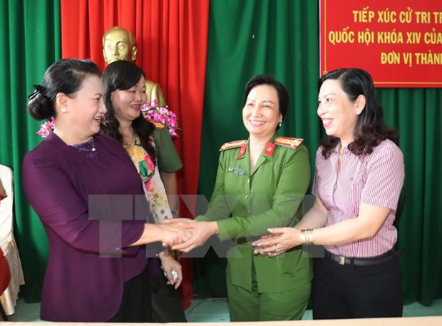 Can Tho voters raise voice over corruption, BOT toll, green agriculture hinh anh 1