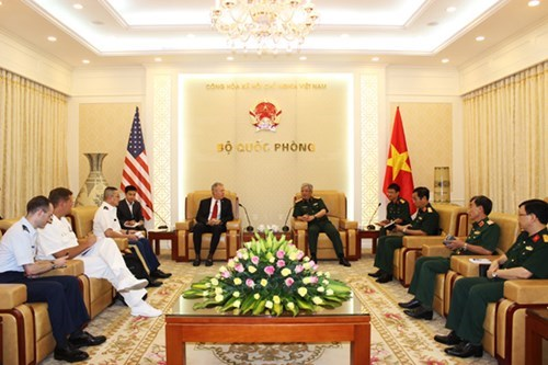 Vietnam, US beef up cooperation in settling post-war consequences hinh anh 1