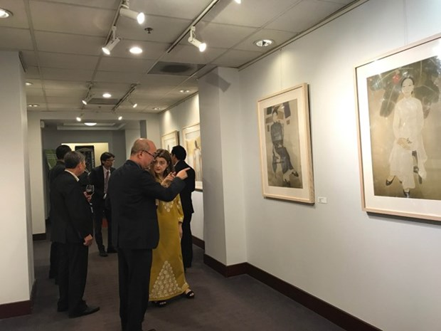 Vietnamese paintings on show in US hinh anh 1