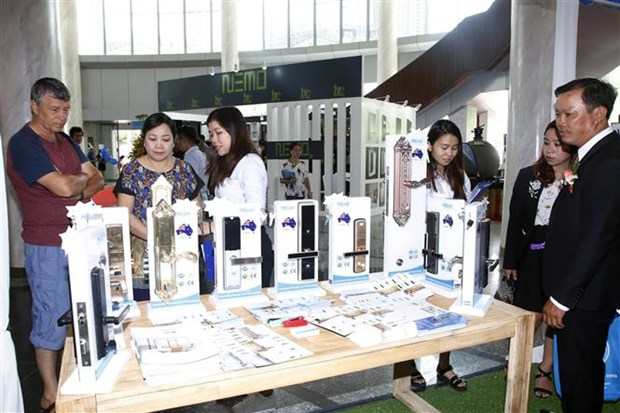 900 firms attend Vietbuild exhibition in HCM City hinh anh 1