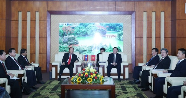 Vietnam, Laos review cooperation in home affairs hinh anh 1