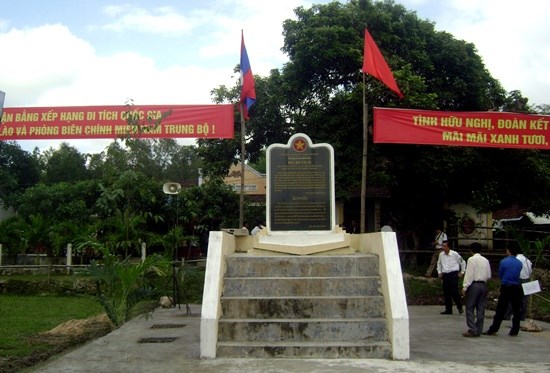 Quang Nam hosts Vietnam-Laos friendship exchange hinh anh 1