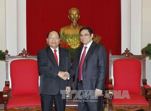 Party official greets Lao Minister of Home Affairs hinh anh 1