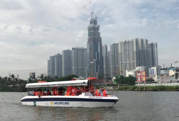 HCM City rolls out seven new waterway tours hinh anh 1