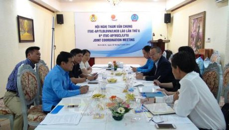 Vietnam, Laos, Asia-Pacific trade unions step up connections hinh anh 1